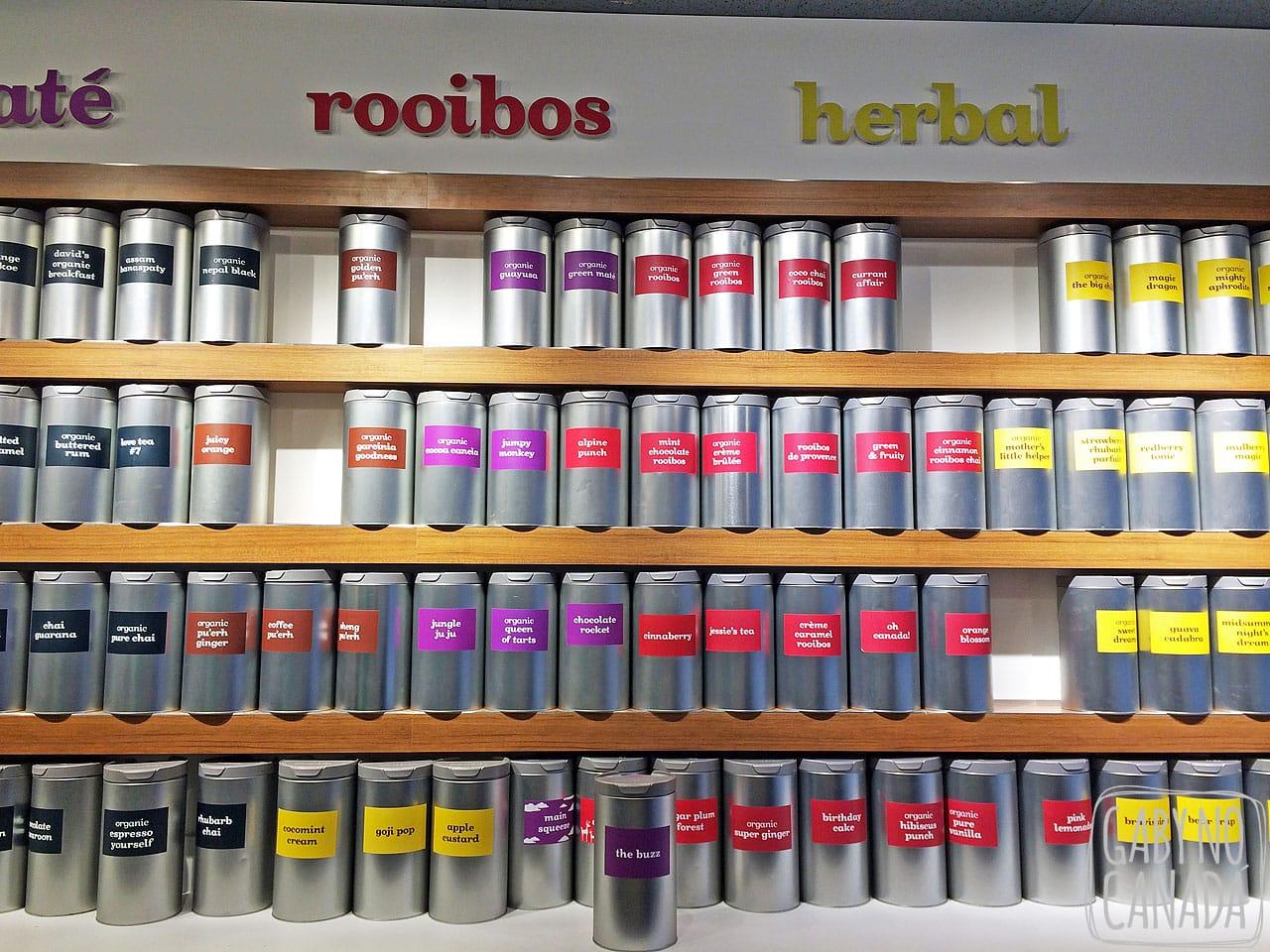 1186a04d2 Esta é uma loja para amantes de chá. O local vende muitos chás (muitos  mesmo) de todos os aromas e sabores que você pode imaginar.