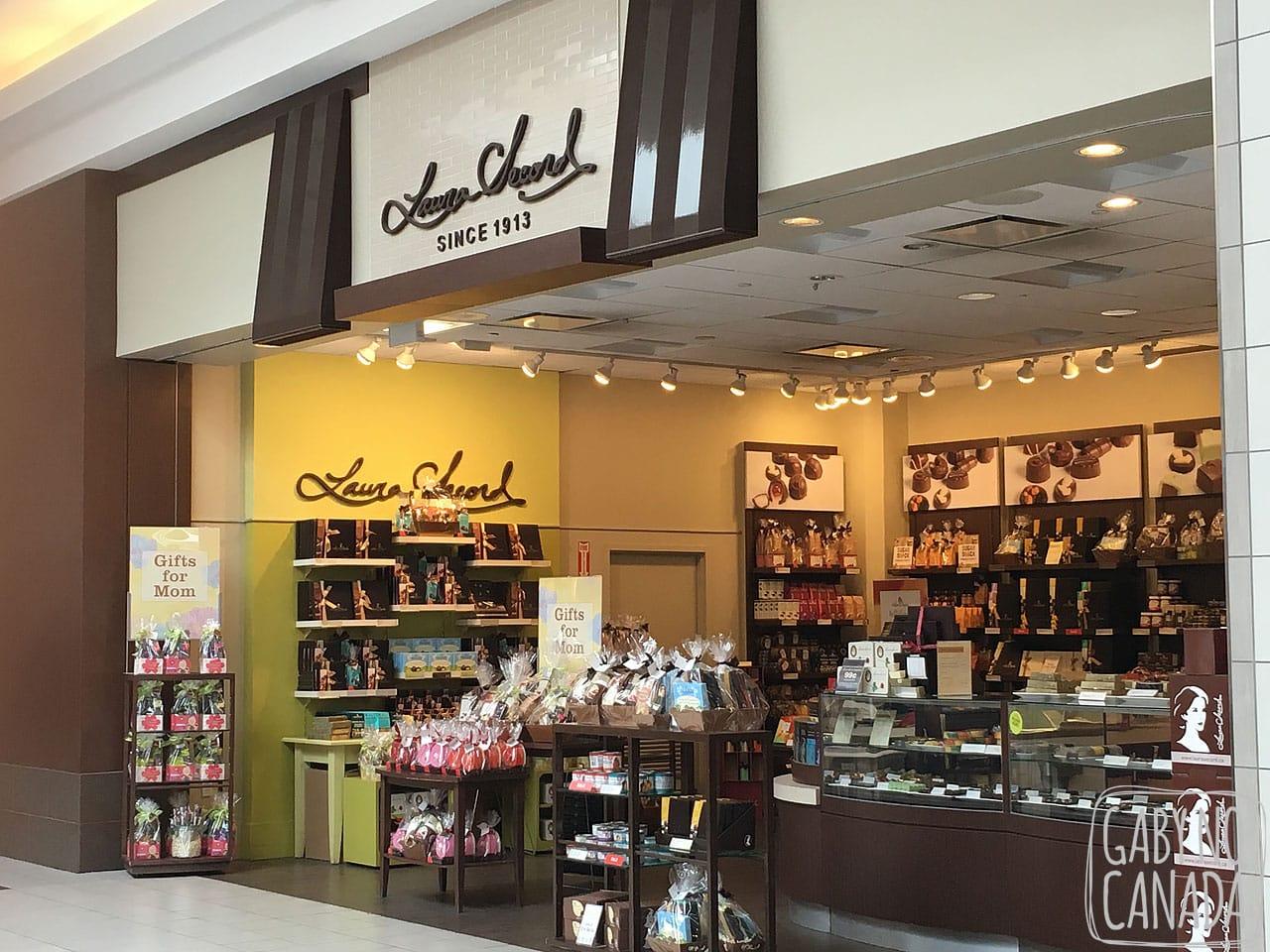 e0023abaf Laura Secord é uma loja de chocolates e sorvetes maravilhosos que foi  fundada em 1913 por Frank P. O Connor